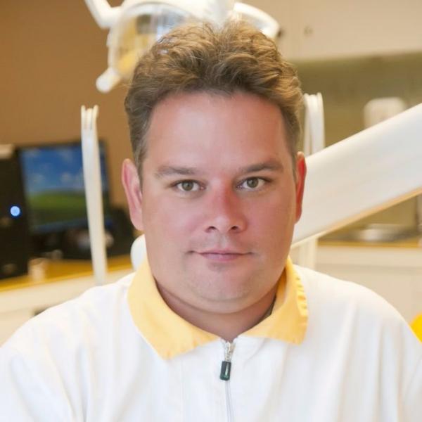 Dr. Tatár Árpád - fogorvos